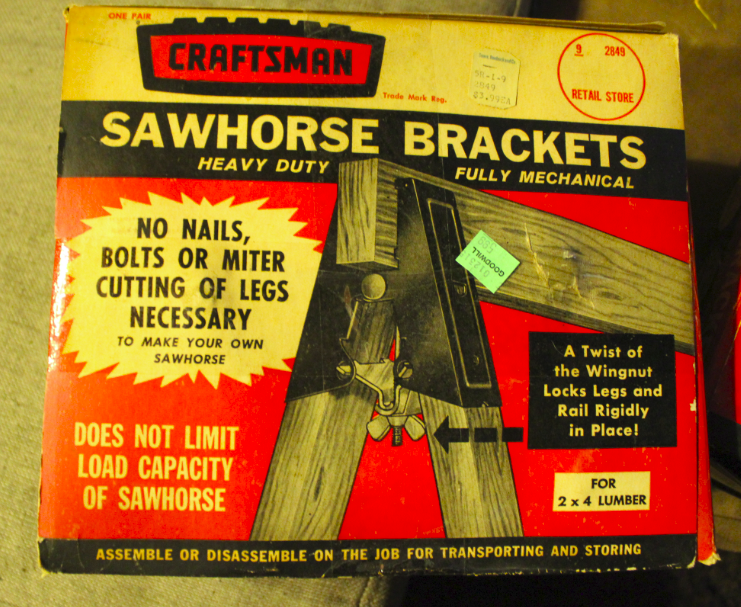 Sweeeeeeeet.  Some much needed sawhorse brackets!